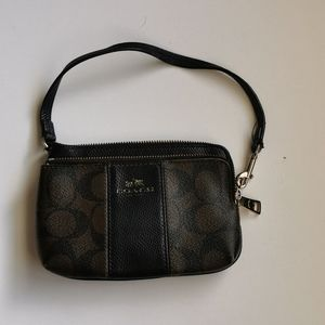 🍄 Coach Wristlet, brown and black